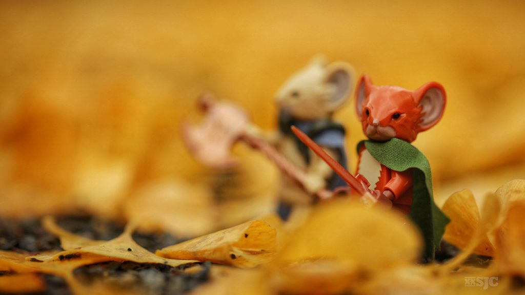 Lego-Mouseguard-outdoor-macro-photography