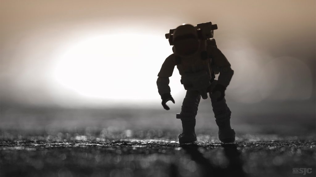 astronaut-toy-photography-xxsjc