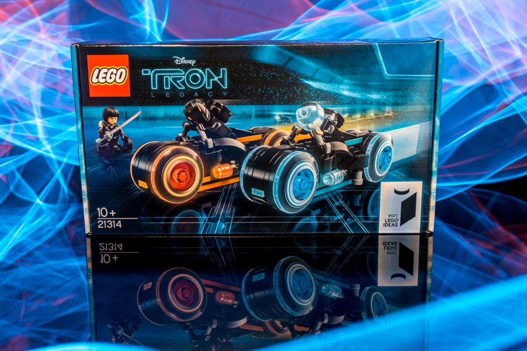 The LEGO Ideas TRON: Legacy box
