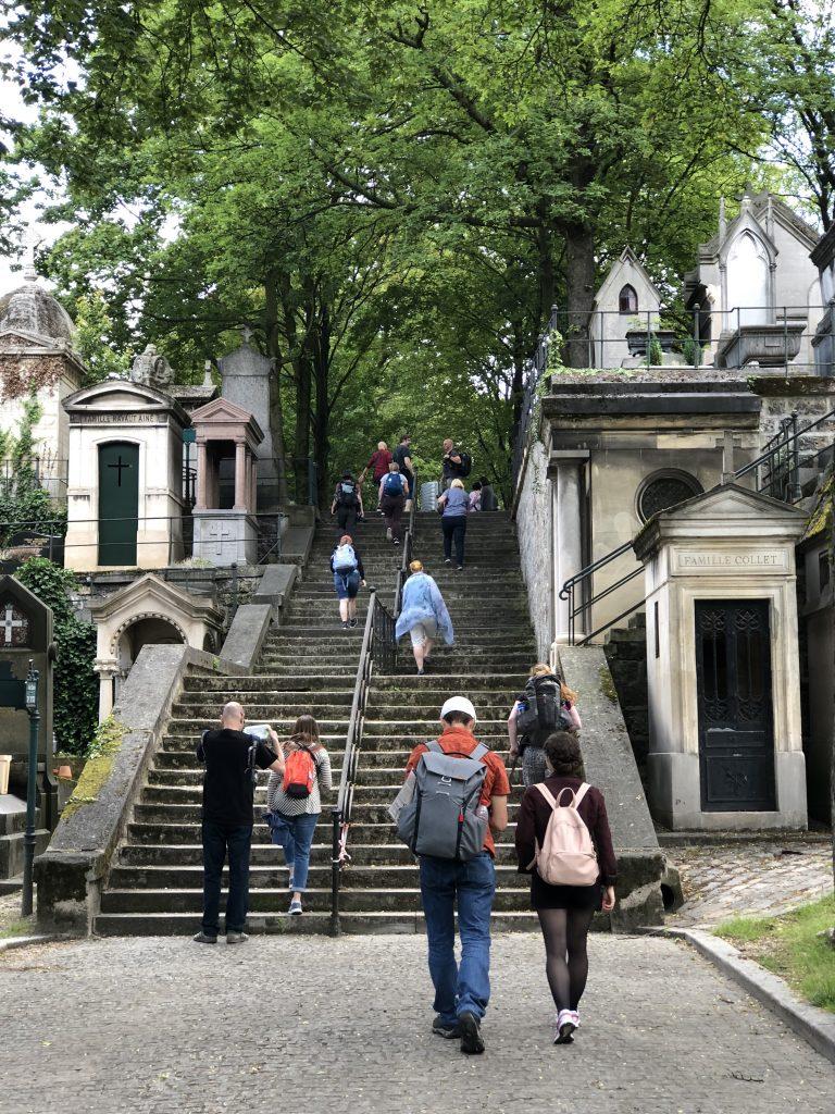 Little walk in Montmartre cemetery